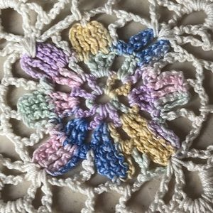 Vintage Accents - Vintage Handmade Lace Flowered Square Doily